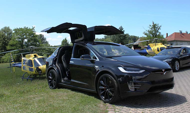 Rent A Tesla >> Rent Tesla Models From Dim Drive In Motion