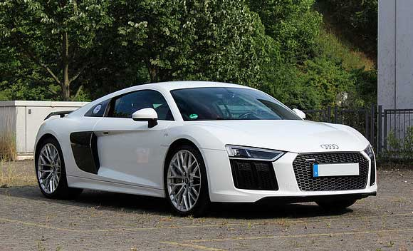 audi r8 v10 plus mieten drive in motion. Black Bedroom Furniture Sets. Home Design Ideas