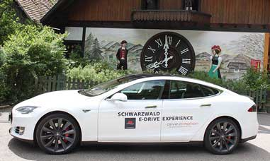 dim Tesla Schwarzwald