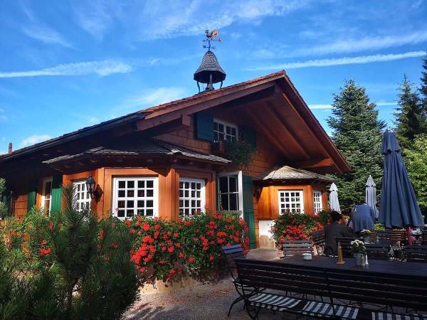 drive in motion Hütte im Alpenvorland