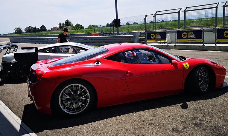 drive in motion Ferrari Autodromo di Modena