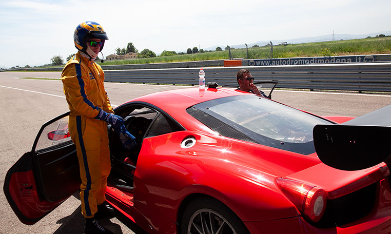 drive in motion Ferrari Lamborghini Autodromo di Modena