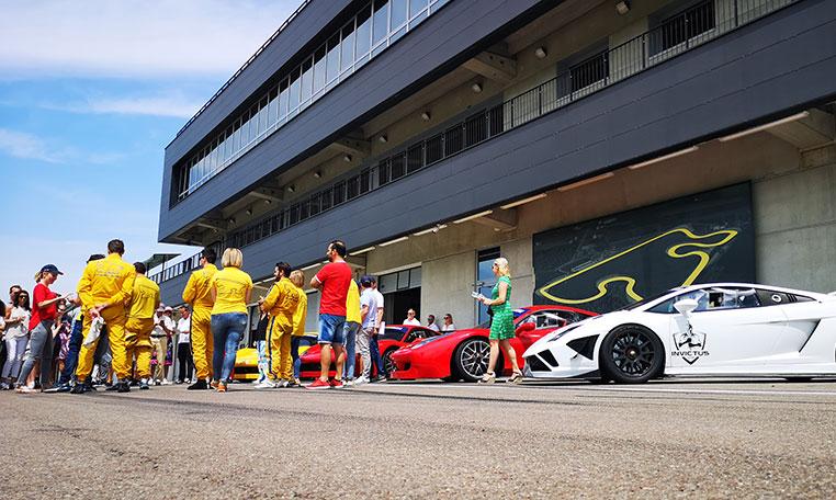 drive in motion Ferrari Lamborghini Autodromo Modena, Fahrerbriefing