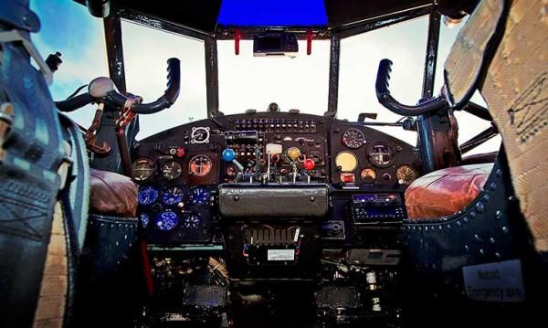 drive in motion Rundflug mit Antonov AN-2 Cockpit