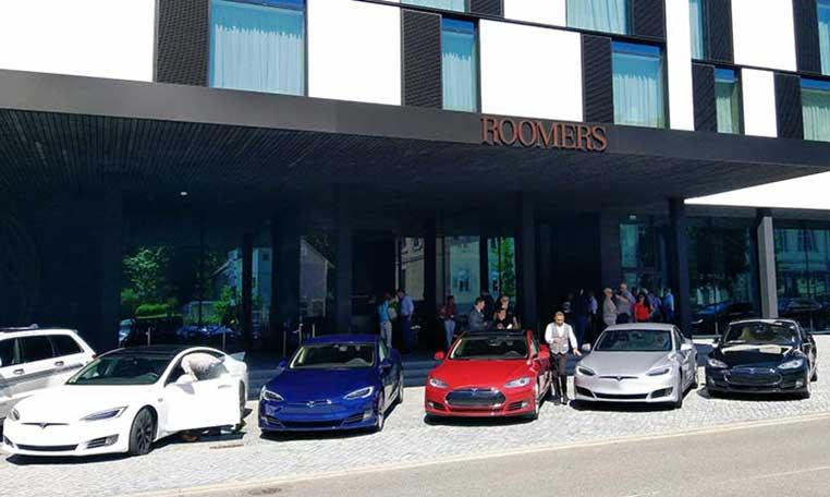 Tesla Fahrzeuge beteits für die e-drive Experience