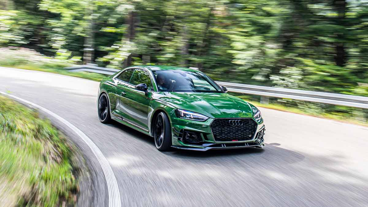 Drive Audi RS55 with drive in motion