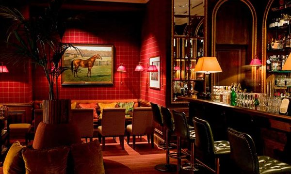 drive in motion Brenners Hotel & Spa Baden-Baden Cigar Lounge