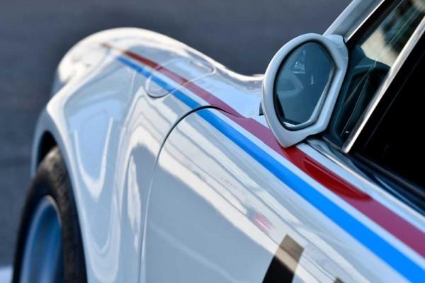 drive in motion Porsche Close Up
