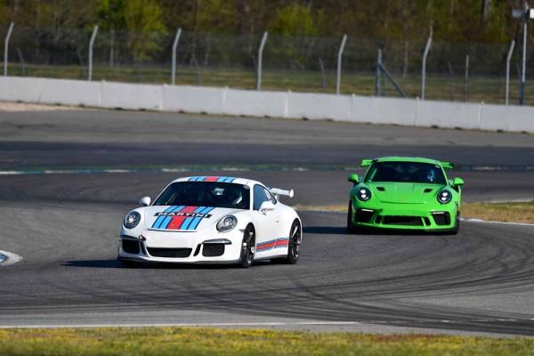 drive in motion Hockenheimring Porsche in Kurve