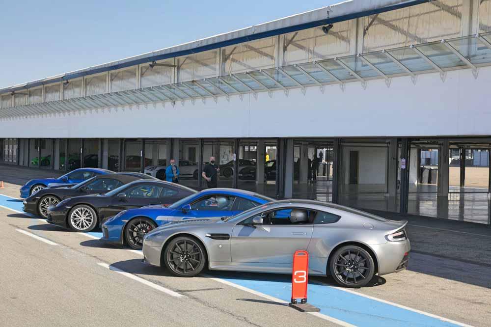 drive in motion Hockenheimring Porsche warten auf den Start